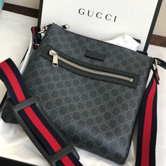 cc63230fc7502 Gucci Handbags - Authentic Gucci Gg Supreme Messenger